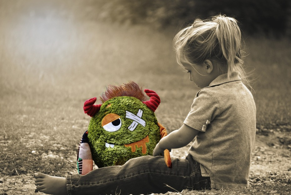 trauma bond, adult child, narcissist, narcissism, narcissistic abuse, littleredsurvivor.com