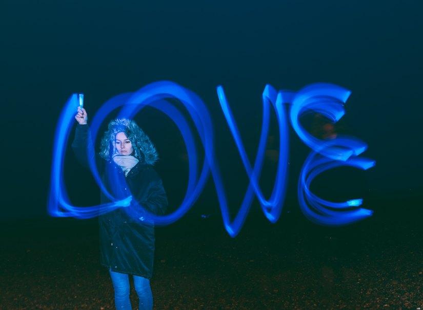 Love, narcissist, narcissism, fake love, abuse, valentine, littleredsurvivor.com